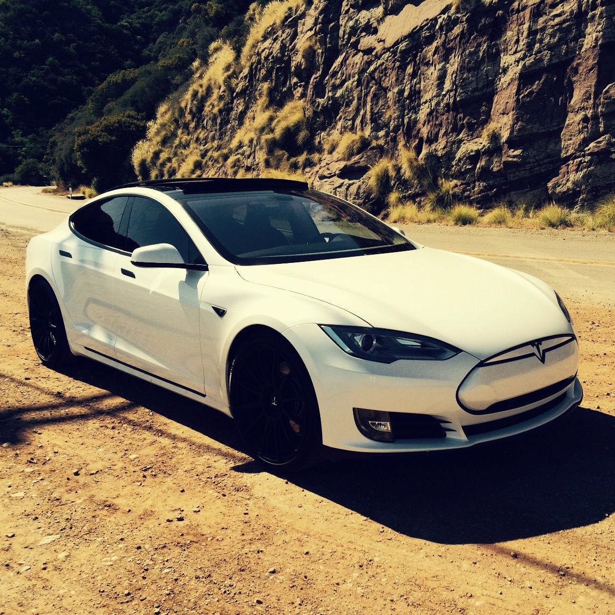 2013 Pearl White Tesla Model S