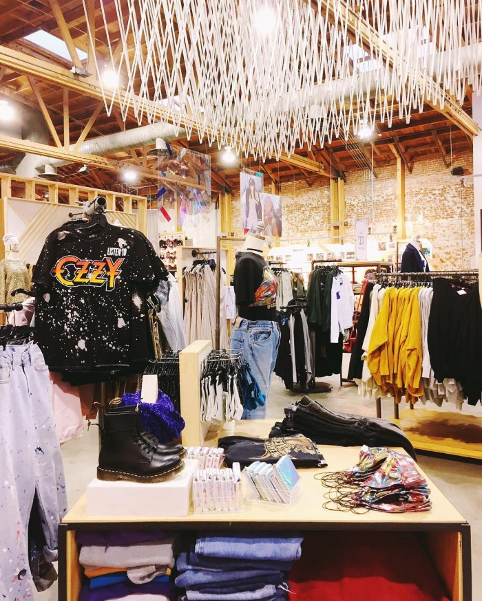 urban-outfitters-photos-cool-clothing-by-thefashionsundae-12-5-2016-1