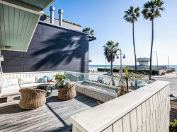 Luxury Vacation Home on the Sand in Venice Beach